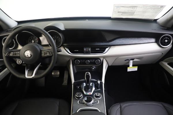 New 2020 Alfa Romeo Stelvio Q4 for sale $47,395 at Bugatti of Greenwich in Greenwich CT 06830 16