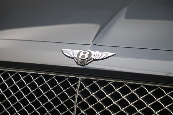 Used 2017 Bentley Bentayga W12 for sale Call for price at Bugatti of Greenwich in Greenwich CT 06830 14
