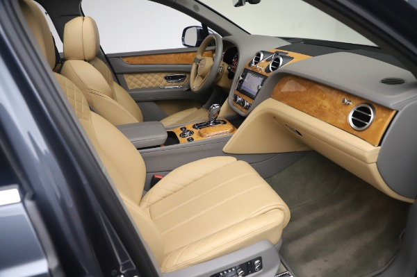 Used 2017 Bentley Bentayga W12 for sale Call for price at Bugatti of Greenwich in Greenwich CT 06830 24
