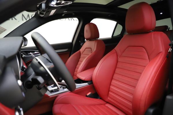 New 2020 Alfa Romeo Stelvio Ti Sport Q4 for sale $54,345 at Bugatti of Greenwich in Greenwich CT 06830 17