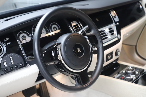 Used 2014 Rolls-Royce Wraith Base for sale $168,900 at Bugatti of Greenwich in Greenwich CT 06830 16