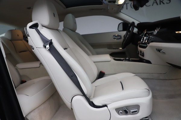 Used 2014 Rolls-Royce Wraith Base for sale $168,900 at Bugatti of Greenwich in Greenwich CT 06830 19