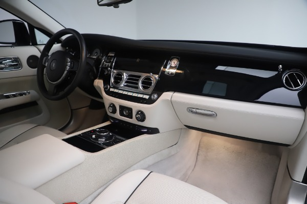 Used 2014 Rolls-Royce Wraith Base for sale $168,900 at Bugatti of Greenwich in Greenwich CT 06830 21