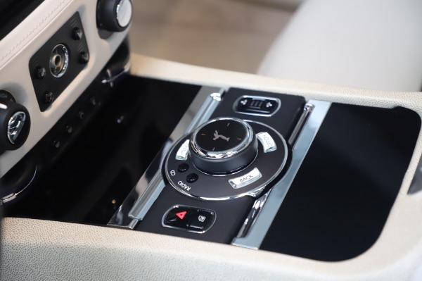 Used 2014 Rolls-Royce Wraith Base for sale $168,900 at Bugatti of Greenwich in Greenwich CT 06830 22
