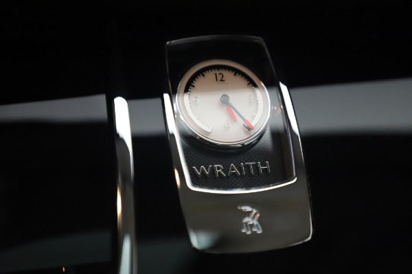 Used 2014 Rolls-Royce Wraith for sale $165,900 at Bugatti of Greenwich in Greenwich CT 06830 25