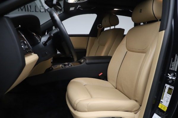 Used 2016 Rolls-Royce Ghost for sale $175,900 at Bugatti of Greenwich in Greenwich CT 06830 15