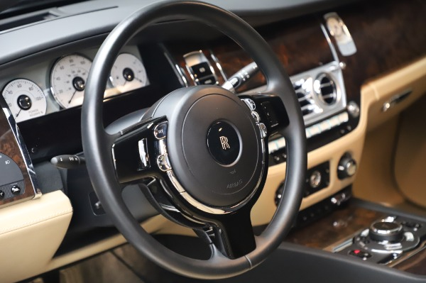 Used 2016 Rolls-Royce Ghost for sale $175,900 at Bugatti of Greenwich in Greenwich CT 06830 17