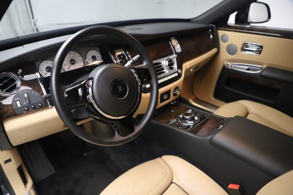 Used 2016 Rolls-Royce Ghost for sale $175,900 at Bugatti of Greenwich in Greenwich CT 06830 18