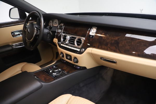 Used 2016 Rolls-Royce Ghost for sale $175,900 at Bugatti of Greenwich in Greenwich CT 06830 20