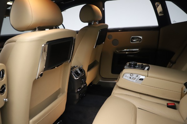 Used 2016 Rolls-Royce Ghost for sale $175,900 at Bugatti of Greenwich in Greenwich CT 06830 22