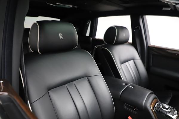 Used 2014 Rolls-Royce Phantom for sale $179,900 at Bugatti of Greenwich in Greenwich CT 06830 13