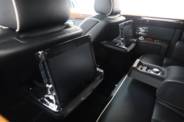 Used 2014 Rolls-Royce Phantom for sale Sold at Bugatti of Greenwich in Greenwich CT 06830 19
