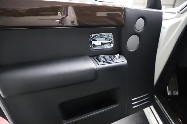 Used 2014 Rolls-Royce Phantom for sale Sold at Bugatti of Greenwich in Greenwich CT 06830 20