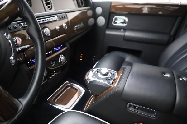Used 2014 Rolls-Royce Phantom for sale Sold at Bugatti of Greenwich in Greenwich CT 06830 21