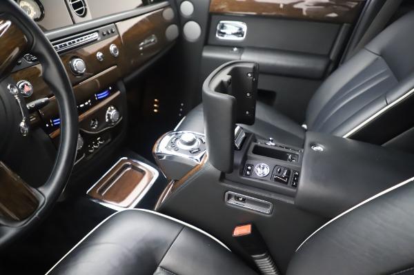Used 2014 Rolls-Royce Phantom for sale $179,900 at Bugatti of Greenwich in Greenwich CT 06830 22