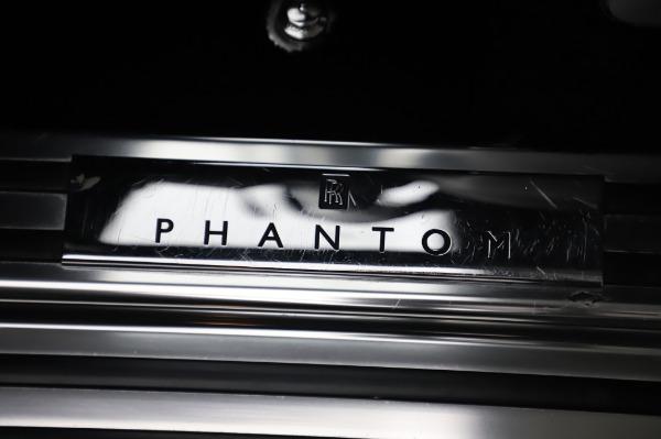 Used 2014 Rolls-Royce Phantom for sale Sold at Bugatti of Greenwich in Greenwich CT 06830 24