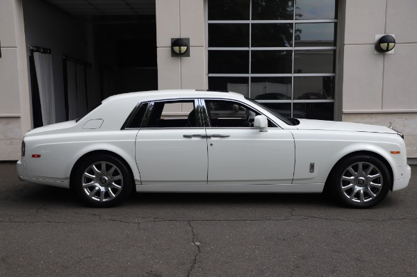 Used 2014 Rolls-Royce Phantom for sale Sold at Bugatti of Greenwich in Greenwich CT 06830 6
