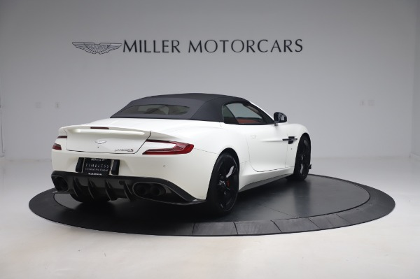 Used 2018 Aston Martin Vanquish S Volante for sale $183,900 at Bugatti of Greenwich in Greenwich CT 06830 24