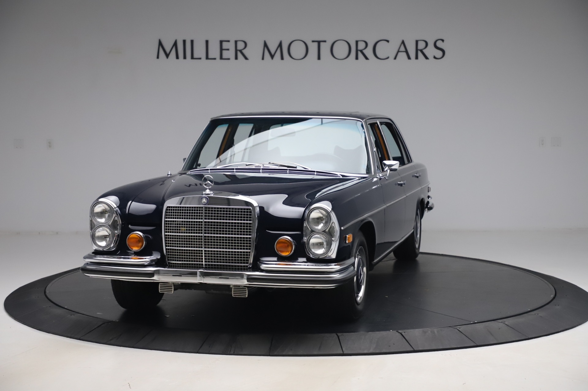 Used 1971 Mercedes Benz 300 SEL 6.3 for sale $117,000 at Bugatti of Greenwich in Greenwich CT 06830 1