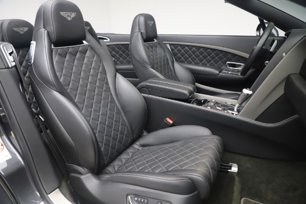 Used 2016 Bentley Continental GT Convertible Speed for sale $139,900 at Bugatti of Greenwich in Greenwich CT 06830 25