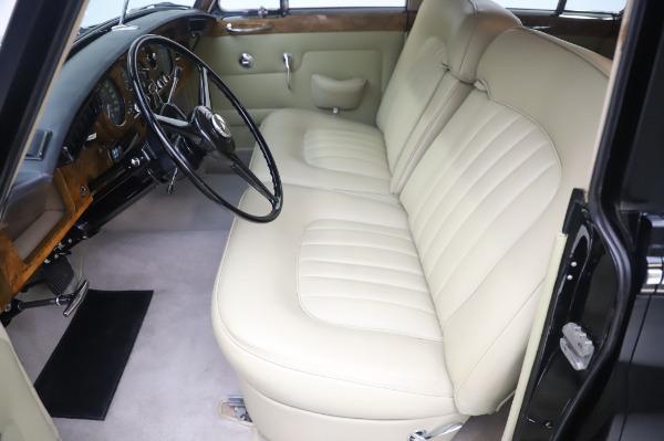 Used 1965 Rolls-Royce Silver Cloud III for sale $99,900 at Bugatti of Greenwich in Greenwich CT 06830 16