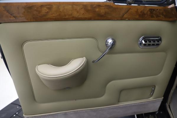 Used 1965 Rolls-Royce Silver Cloud III for sale $99,900 at Bugatti of Greenwich in Greenwich CT 06830 17