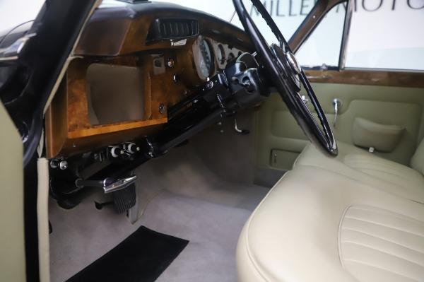 Used 1965 Rolls-Royce Silver Cloud III for sale $99,900 at Bugatti of Greenwich in Greenwich CT 06830 18