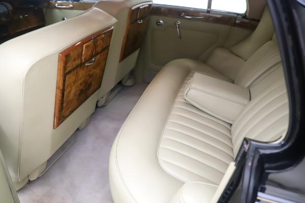 Used 1965 Rolls-Royce Silver Cloud III for sale $99,900 at Bugatti of Greenwich in Greenwich CT 06830 19