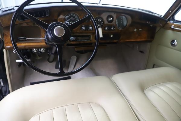 Used 1965 Rolls-Royce Silver Cloud III for sale $99,900 at Bugatti of Greenwich in Greenwich CT 06830 21