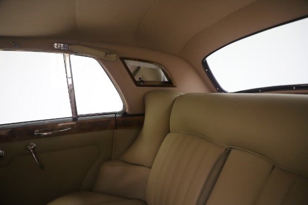 Used 1965 Rolls-Royce Silver Cloud III for sale $99,900 at Bugatti of Greenwich in Greenwich CT 06830 22