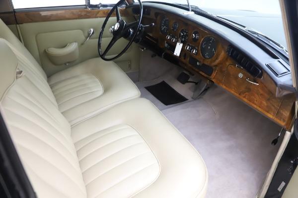 Used 1965 Rolls-Royce Silver Cloud III for sale $99,900 at Bugatti of Greenwich in Greenwich CT 06830 23