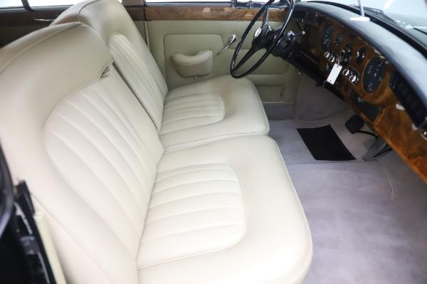 Used 1965 Rolls-Royce Silver Cloud III for sale $99,900 at Bugatti of Greenwich in Greenwich CT 06830 24