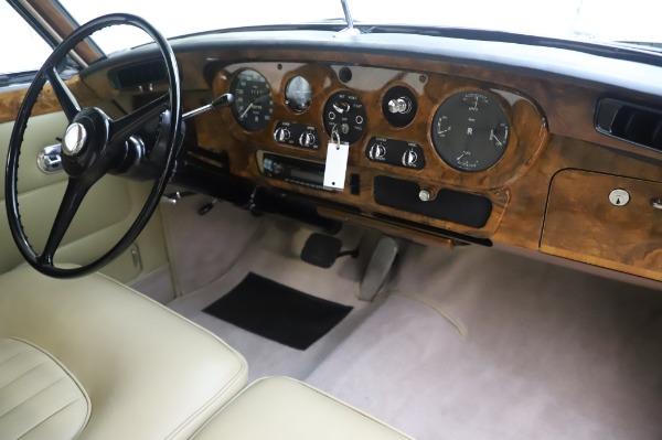 Used 1965 Rolls-Royce Silver Cloud III for sale $99,900 at Bugatti of Greenwich in Greenwich CT 06830 25