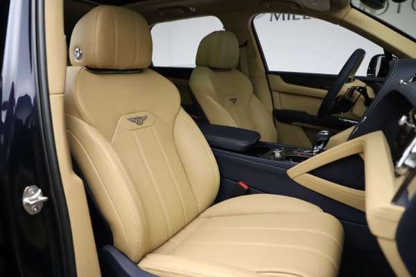 New 2021 Bentley Bentayga V8 for sale Sold at Bugatti of Greenwich in Greenwich CT 06830 26