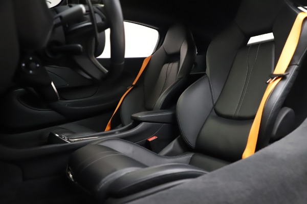 Used 2017 McLaren 570S Coupe for sale $149,900 at Bugatti of Greenwich in Greenwich CT 06830 18