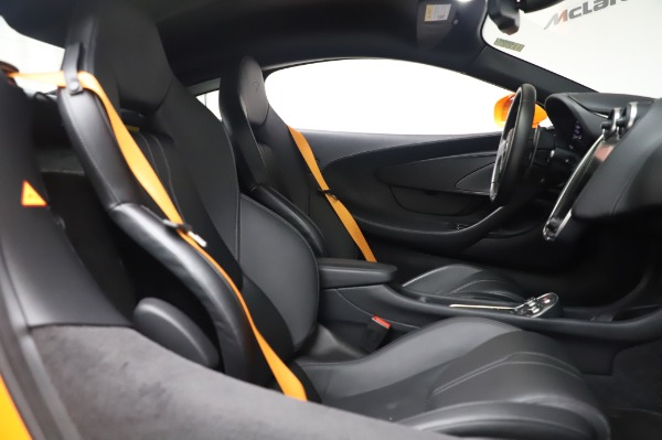 Used 2017 McLaren 570S Coupe for sale $149,900 at Bugatti of Greenwich in Greenwich CT 06830 21