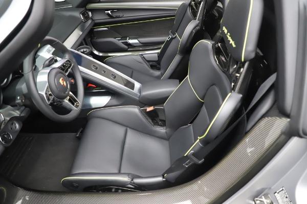 Used 2015 Porsche 918 Spyder for sale $1,389,900 at Bugatti of Greenwich in Greenwich CT 06830 23