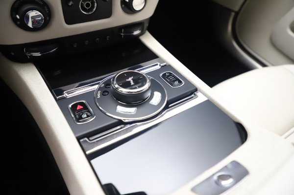 Used 2015 Rolls-Royce Wraith for sale Call for price at Bugatti of Greenwich in Greenwich CT 06830 19