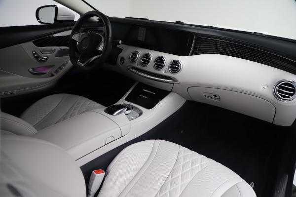 Used 2015 Mercedes-Benz S-Class S 550 4MATIC for sale Sold at Bugatti of Greenwich in Greenwich CT 06830 19
