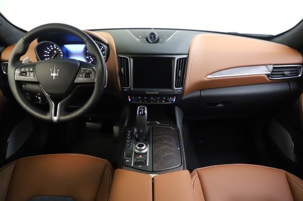 New 2020 Maserati Levante Q4 GranLusso for sale $88,635 at Bugatti of Greenwich in Greenwich CT 06830 16