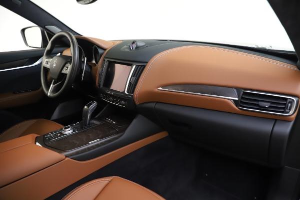 New 2020 Maserati Levante Q4 GranLusso for sale $88,635 at Bugatti of Greenwich in Greenwich CT 06830 24