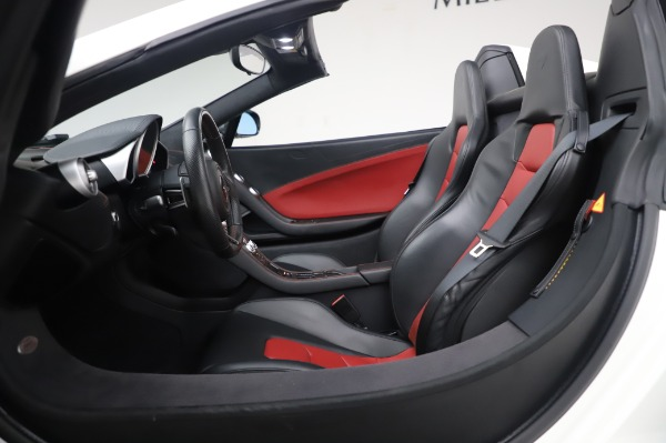 Used 2016 McLaren 650S Spider for sale $152,900 at Bugatti of Greenwich in Greenwich CT 06830 24