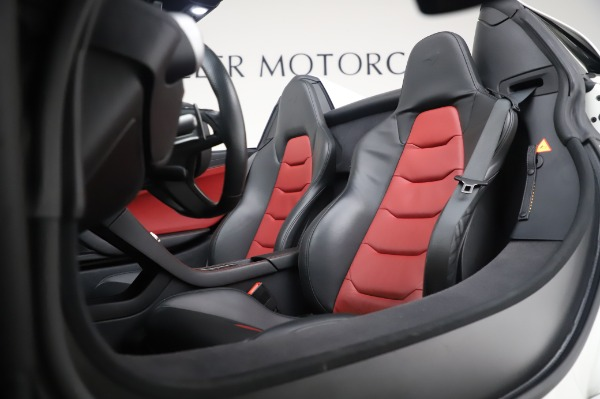 Used 2016 McLaren 650S Spider for sale $152,900 at Bugatti of Greenwich in Greenwich CT 06830 25
