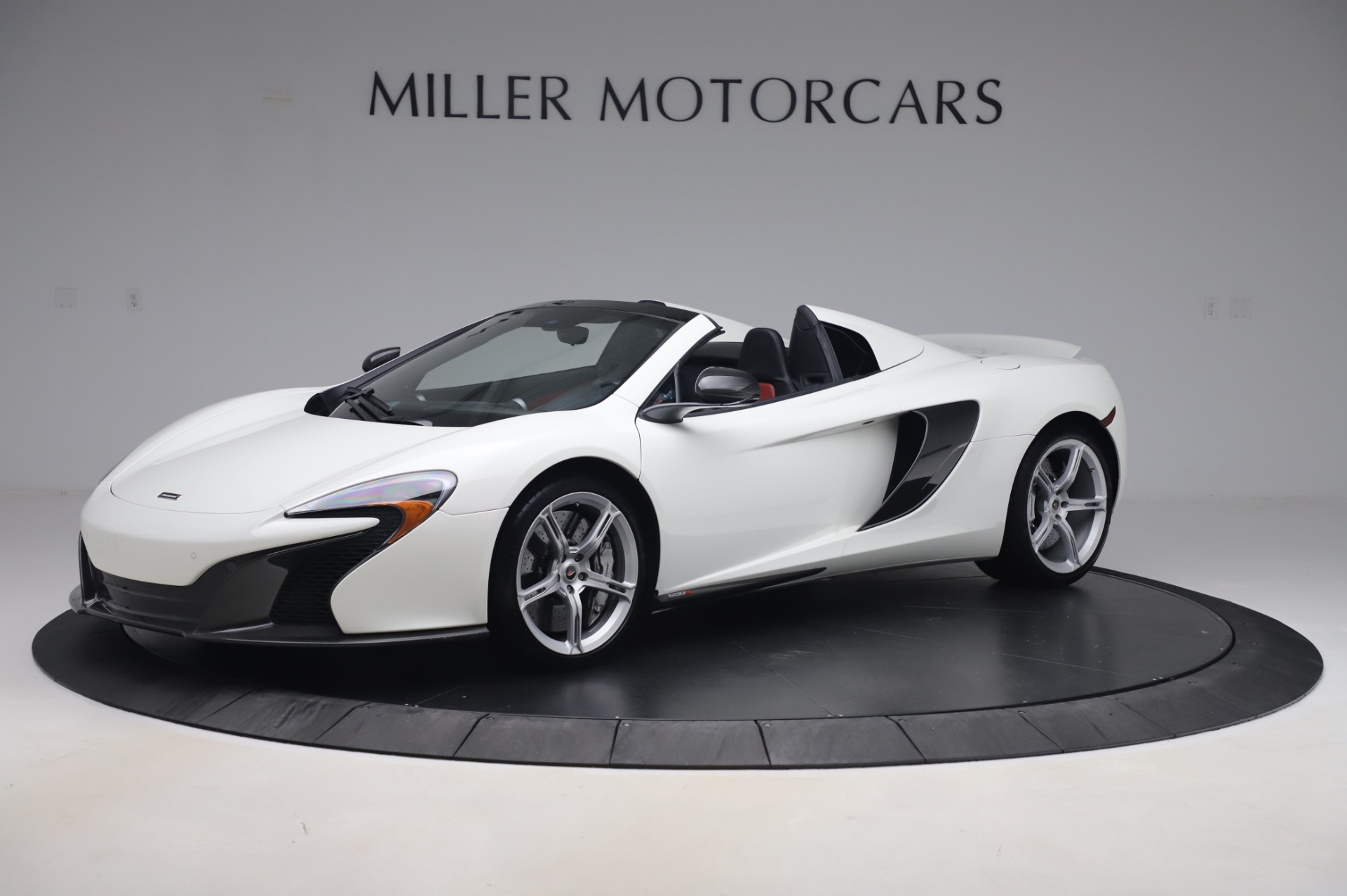 Used 2016 McLaren 650S Spider for sale $152,900 at Bugatti of Greenwich in Greenwich CT 06830 1