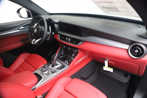 New 2020 Alfa Romeo Stelvio Ti Sport Q4 for sale $56,145 at Bugatti of Greenwich in Greenwich CT 06830 24