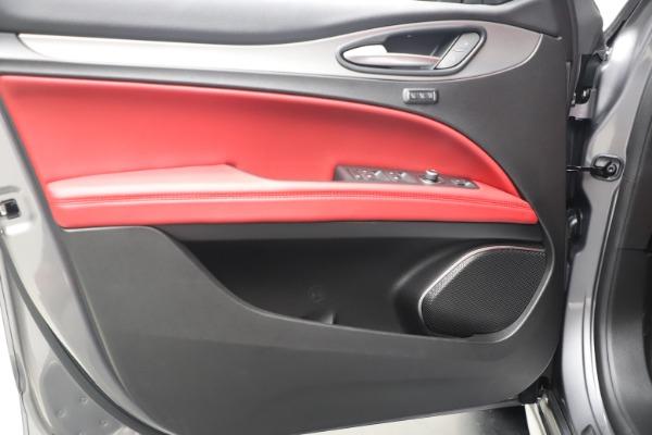 New 2020 Alfa Romeo Stelvio Ti Sport Q4 for sale $53,545 at Bugatti of Greenwich in Greenwich CT 06830 17
