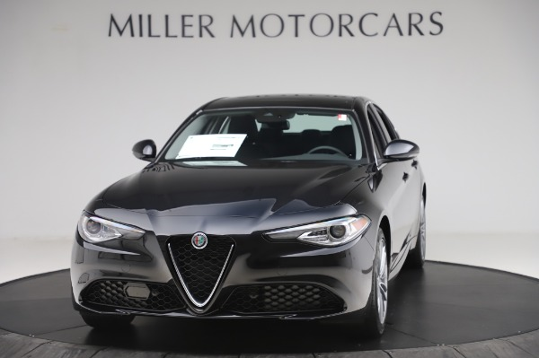 New 2020 Alfa Romeo Giulia Ti Lusso Q4 for sale $46,195 at Bugatti of Greenwich in Greenwich CT 06830 1