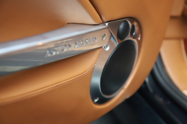 Used 2003 Aston Martin V12 Vanquish Coupe for sale $79,900 at Bugatti of Greenwich in Greenwich CT 06830 18