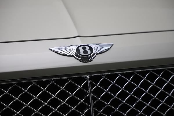 Used 2018 Bentley Bentayga Onyx Edition for sale $159,900 at Bugatti of Greenwich in Greenwich CT 06830 14