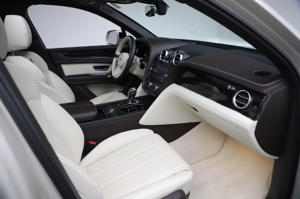 Used 2018 Bentley Bentayga Onyx Edition for sale $159,900 at Bugatti of Greenwich in Greenwich CT 06830 28